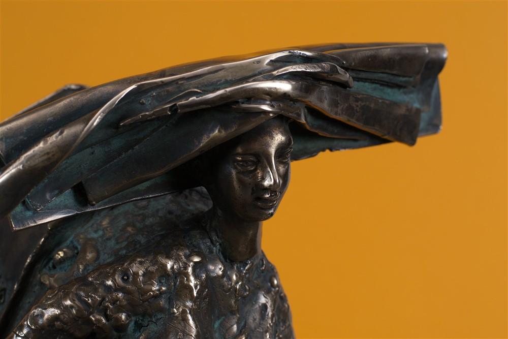 besacteaua cu ganduri bronz  21x45x30 cm 3