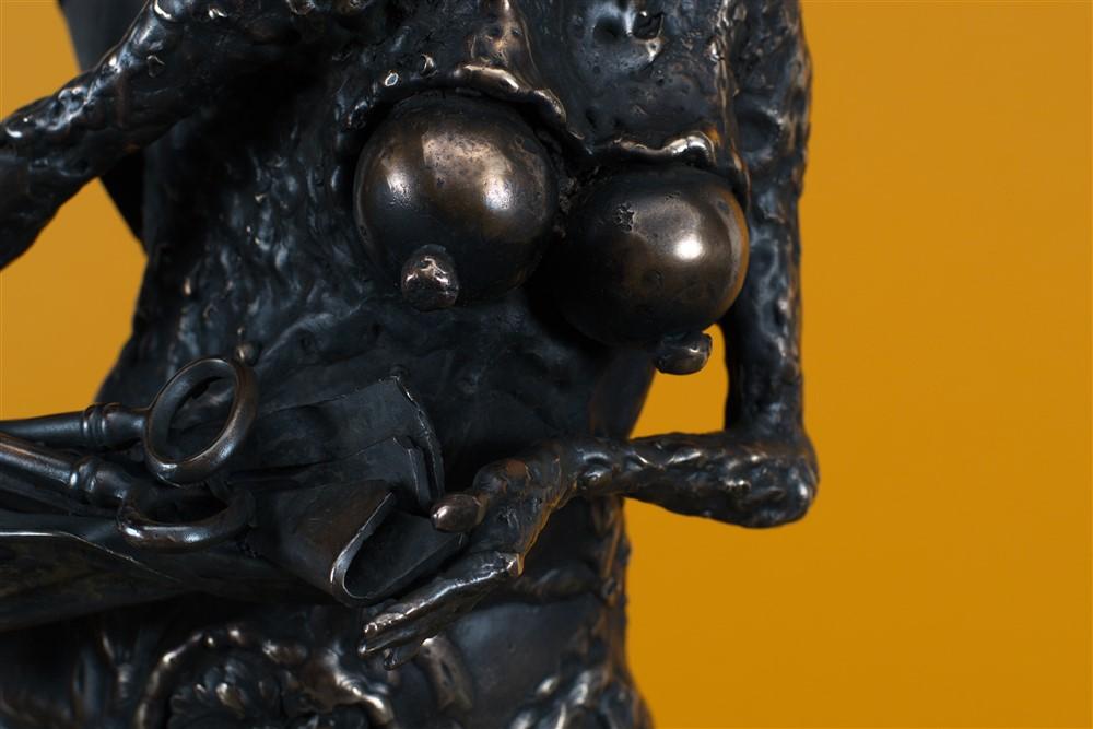 besacteaua cu ganduri bronz  21x45x30 cm 4